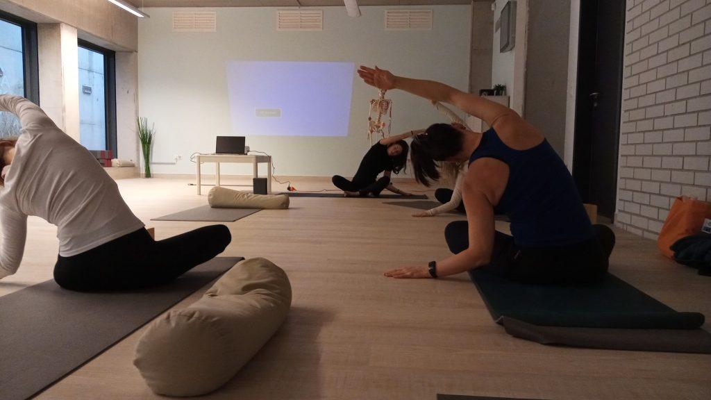 női jóga oktatóképzés